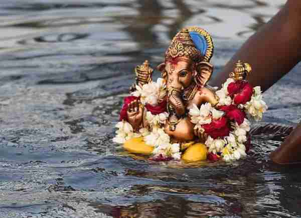 Ganpati Visarjan Slogans in Marathi & Hindi with Images for WhatsApp & Facebook