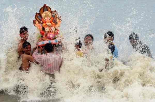 गणेश विसर्जन स्टेटस 2018 – Ganesh Visarjan Status in Hindi & Marathi for WhatsApp & Facebook with Images