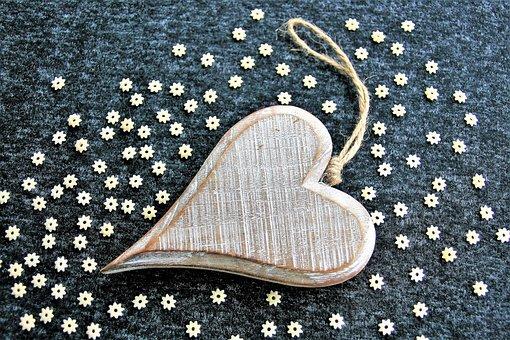 wooden-heart-3077104__340.jpg
