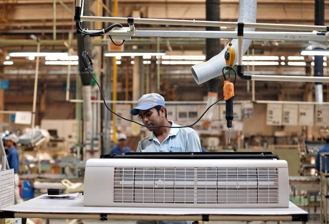 चीन से सस्ते सामान जल्द बना लेगा उत्तर प्रदेश, मंत्री सिद्धार्थ नाथ सिंह ने किया दावा