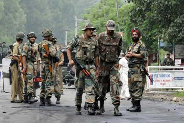 जम्मू-कश्मीर में आतंक के खिलाफ जारी है भारतीय सुरक्षाबलों का तांडव, ढेर किया एक और आतंकी