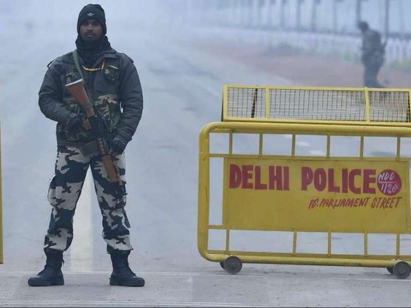 कोरोनावायरस जैसी महामारी के बीच भी पाकिस्तान अपनी हरकतों से नहीं आ रहा बाज, भारत में घूसे 5 आतंकी