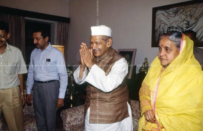 पूर्व राष्ट्रपति शंकर दयाल शर्मा की 93 वर्षीय धर्मपत्नी ने कोरोना को दी मात, हुई ठीक