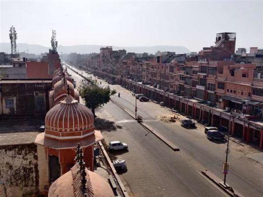 बड़ी खबर: उत्तर प्रदेश के इस शहर में लगा 15 दिनों का लॉकडाउन