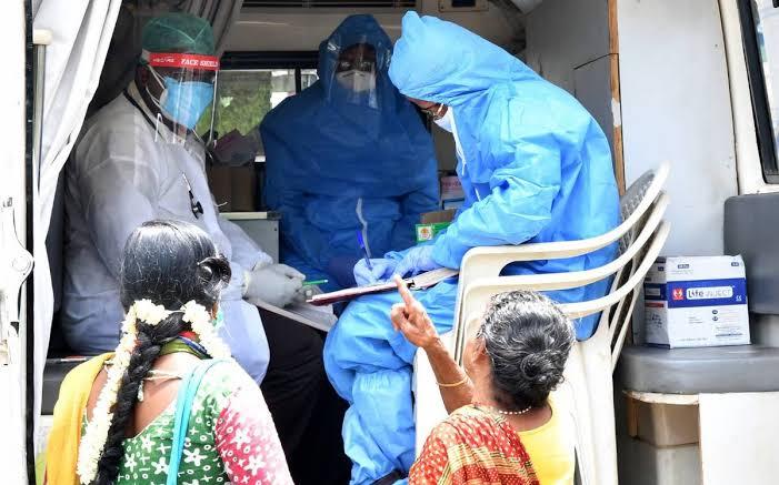 कोरोनावायरस अपडेट: 24 घंटे में रिकॉर्ड 377 लोगों का निधन, वैक्सीन पर सरकार ने लिया ये बड़ा फैसला