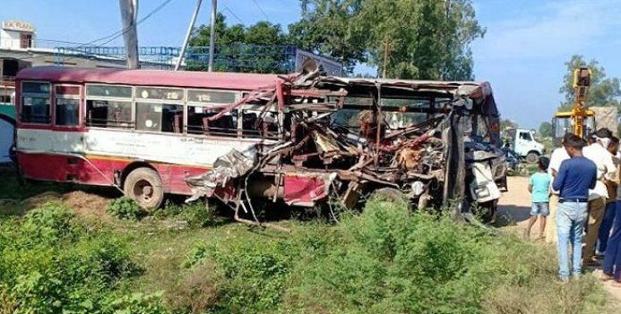 लखनऊ: दो रोडवेज बसों की आपस में भिड़ंत, 6 लोगों की मौत, अन्य घायल