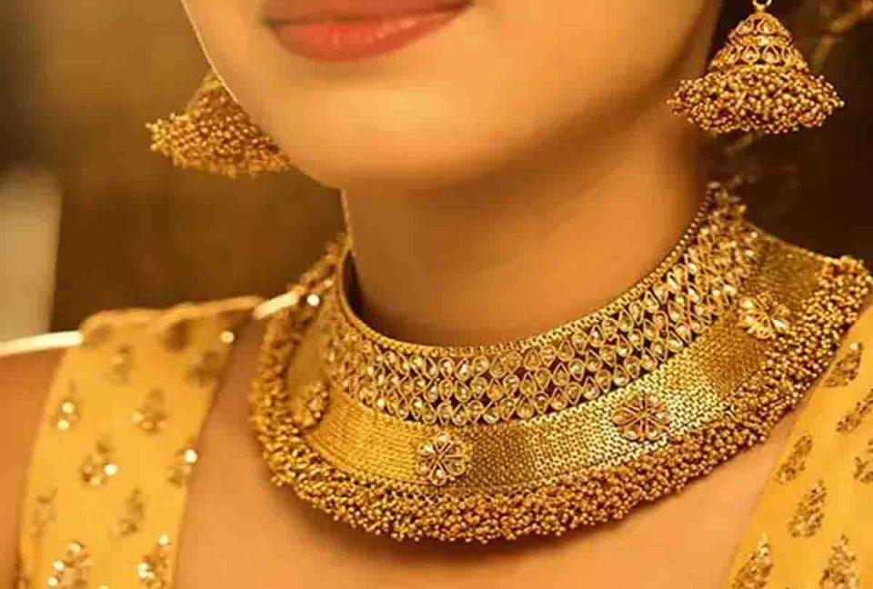 Gold Price : 4500 सस्ता हुआ सोना उपर से 600 का मिल रहा डिस्काउंट, जानिए 1 तोले का भाव