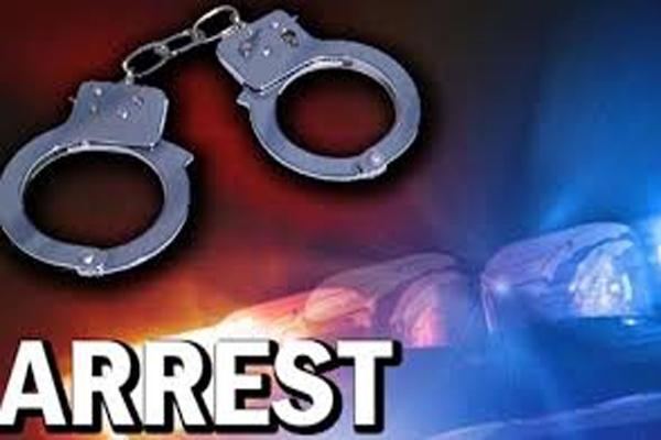 मेट्रो स्टेशन पर Cisf ने बैग से भरे पैसे के साथ एक आदमी को किया गिरफ्तार, उसके बाद जो हुआ सब रह गये हैरान