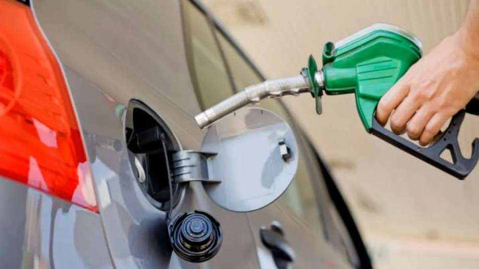 पेट्रोल-डीजल के दाम आज फिर हुए सस्ते, जानिए 1 लीटर का दाम