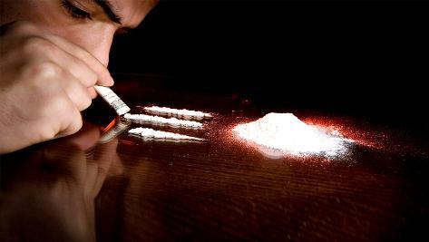 सुशांत के दोस्त युवराज ने बताया सिर्फ इस एक्टर को छोड़ बाकि सभी लेते हैं ड्रग्स