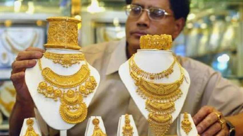 Gold Price: 50 हजार से नीचे पहुंचा सोना, दिवाली तक आसमान छुएगी कीमत