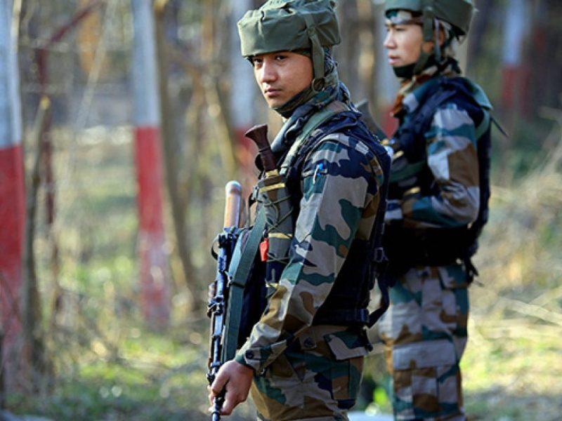 जम्मू-कश्मीर के पुलवामा में कांधीजल ब्रिज पर Crpf टीम पर आतंकियों ने किया हमला, दो जवान शहीद 5 गंभीर रूप से घायल