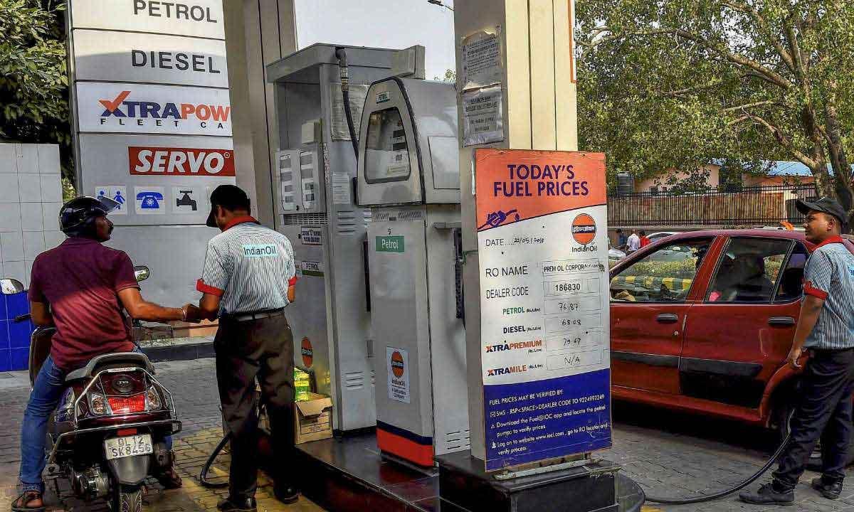 Petrol Diesel Price Today : 5 महीने में आज सबसे सस्ता हुआ पेट्रोल और डीजल, जानिए आज का भाव