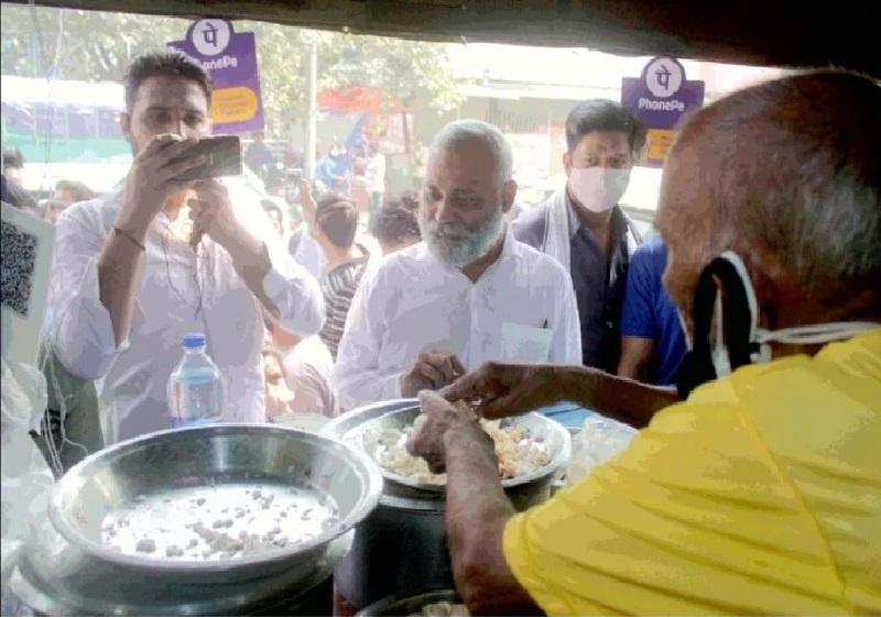 F.i.r के बाद गौरव ने लौटाए बाबा के ढाबा वाले कांता प्रसाद को बाकी पैसे