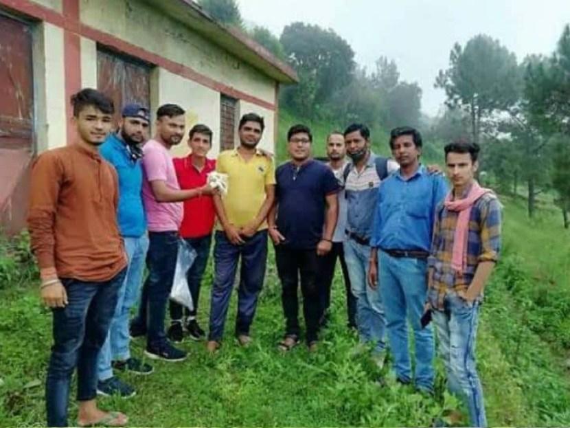 लॉकडाउन में गई नौकरी तो गाँव लौट इस शख्स ने शुरू किया चाय का बिजनेस, महीने का 1 लाख की है कमाई