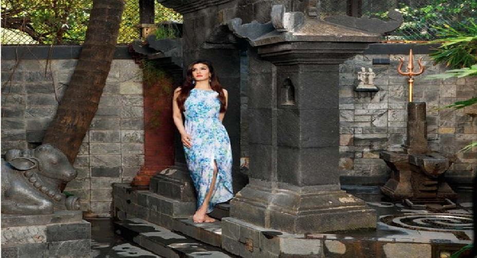 मुंबई के बांद्रा में है रवीना टंडन का ये आलिशान बंगला, देखें इनसाइड तस्वीरें