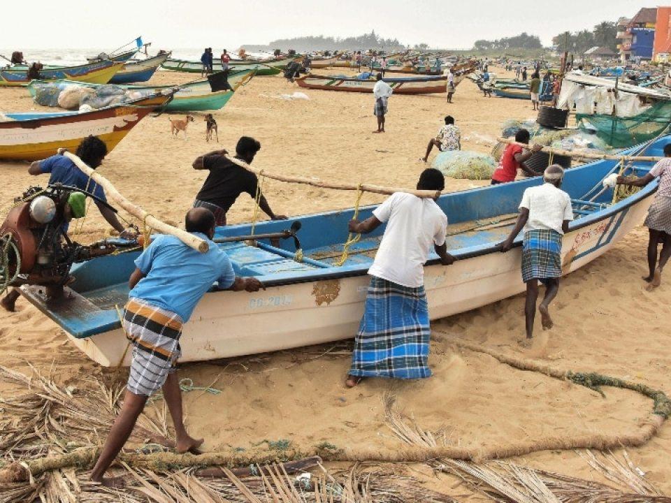 तमिलनाडु में तेज बारिश, अगले 24 घंटे में आ सकता है जानलेवा तूफान