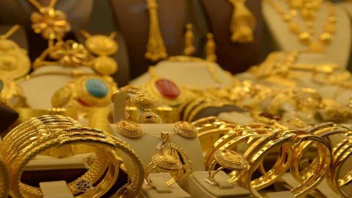 सोना खरीदने वालों के लिए खुशखबरी, इतने दिनों में 5 हजार तक सस्ता होगा गोल्ड, मात्र इतने में मिलेगा 1 तोला