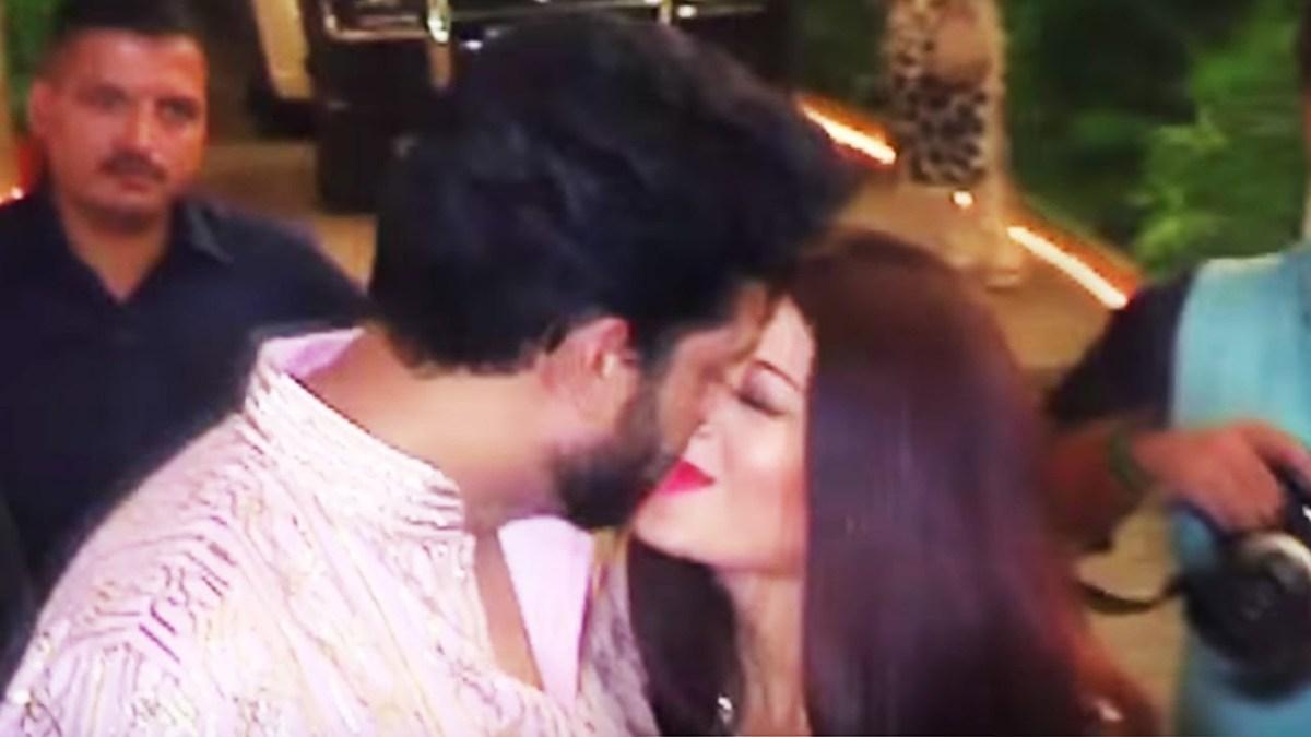 ऐश्वर्या राय के जन्मदिन पर अभिषेक के साथ लिपलॉक का वीडियो हुआ वायरल
