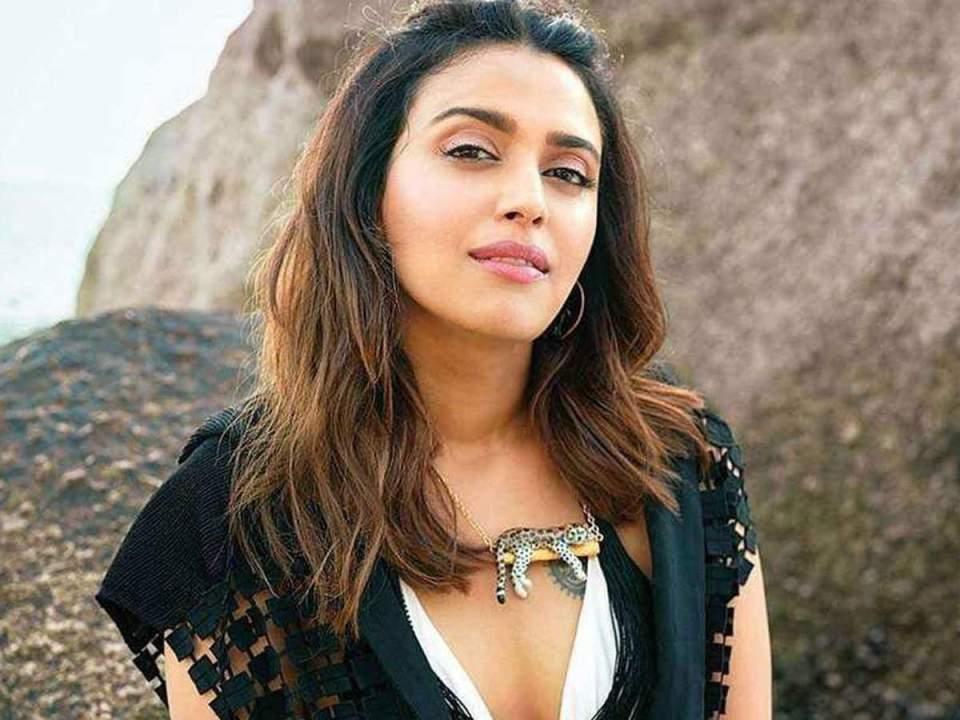 मंदिर में मुस्लिम लड़की ने हिन्दू लड़की को किया Kiss, स्वरा भास्कर ने दिया ये विवादित बयान