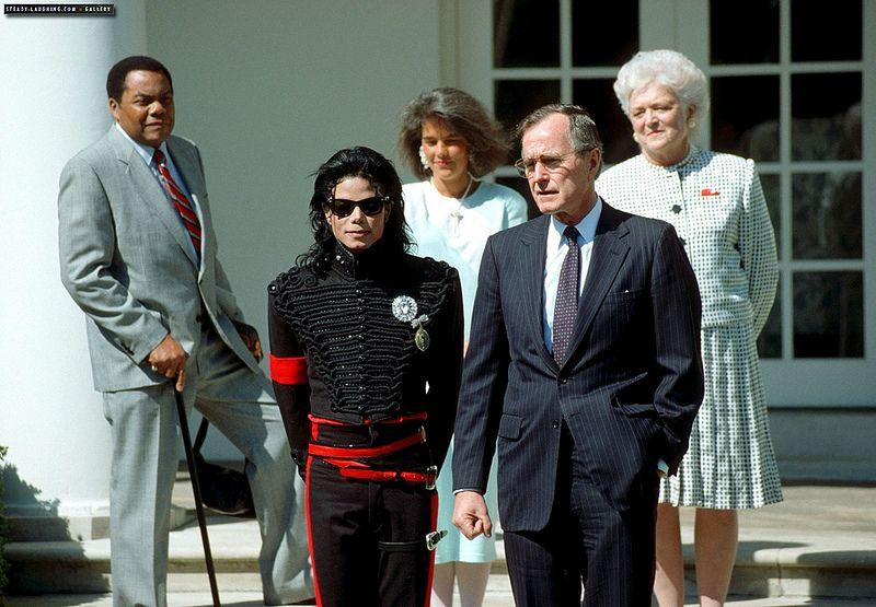 माइकल जैक्सन की मौत के बाद उनकी सम्पति इतने करोड़ में बिकी, दाम जान रह जायेंगे दंग