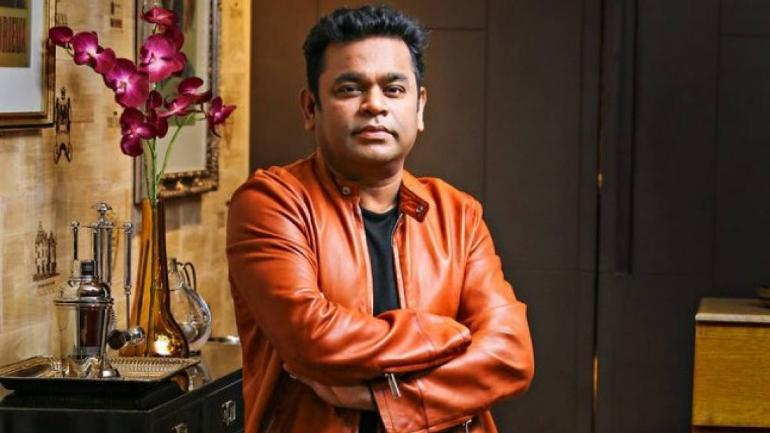 नौ साल की उम्र में यतीम हुए दिलीप कुमार, धर्म परिवर्तन करके बन गए ए आर रहमान