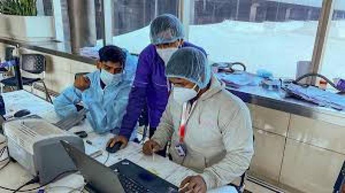 Coronavirus: नया कोरोना वायरस पहले से भी है ज्यादा खतरनाक, रीढ़ की हड्डी में हो रहा इन्फेक्शन