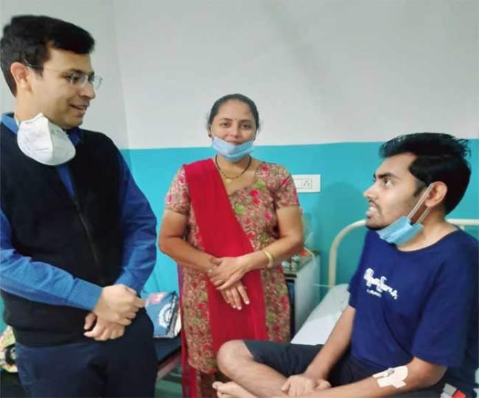 सोनू सूद फिर बने मसीहा, 12 साल से तकलीफ झेल रहे शख्स की करवाई ब्रेन सर्जरी