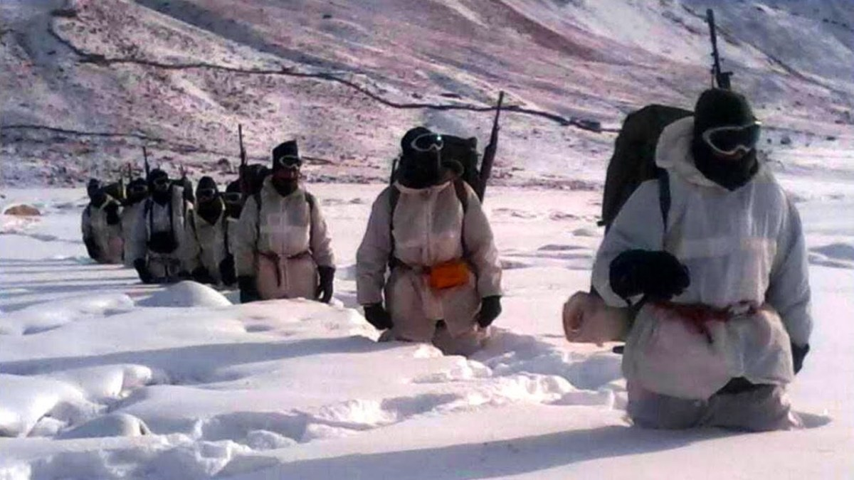 सियाचिन की सर्द मौसम, बर्फीली सरहद पर देश के जाबांज सैनिक किन मुश्किलों करतें है सामना