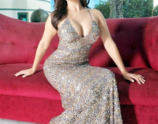 प्रियंका, करीना नहीं ये एक्ट्रेस है बॉलीवुड की सबसे अमीर अभिनेत्री, खुद का प्राइवेट जेट, अमेरिका में घर 100 करोड़ की है मालकिन