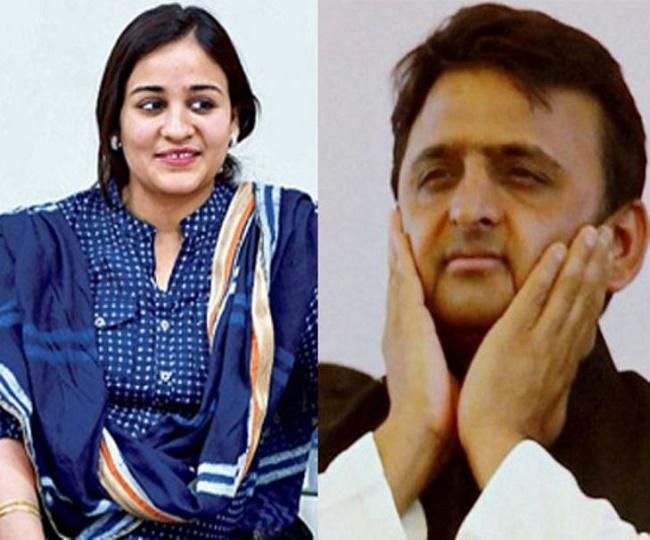 कोरोना वैक्सीन: अखिलेश यादव को परिवार से ही मिली बगावत, बहू ने कहा राजनीति करना बंद करें