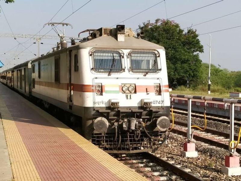 क्या 1 जनवरी से दौड़ेंगी रेलवे की पैसेंजर ट्रेने, जानिए क्या है सच