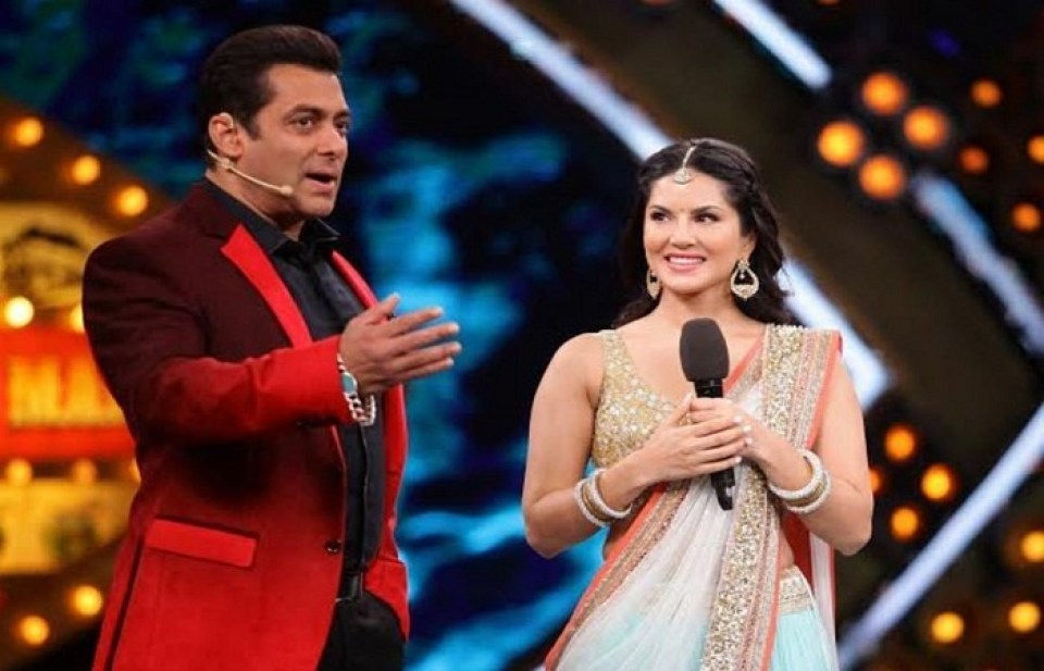 Salman Khan openly expresses his love for Sunny Leone, Bhaijaan is shy after listening to the actress' response