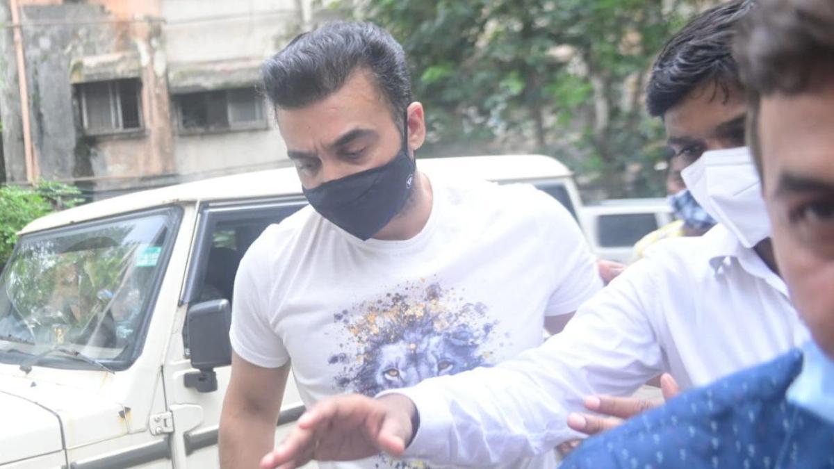 शिल्पा शेट्टी के पति का एक और काला राज आया सामने, पोर्नोग्राफी के बाद एक और केस दर्ज