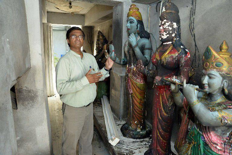 Trindad and Tobag: Hindu deities defiled