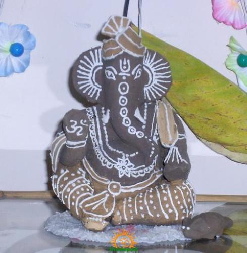 clay ganesha idol