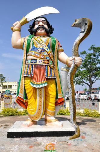Mahishasura-at-Chamundeshwari-Temple-in-Mysore