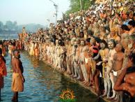 Sadhus ready to bathe in Kumbh Mela 2013