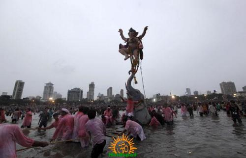 Ganesh immersion in Mumbai