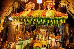 fruits-decorations-inside-srivari-temple