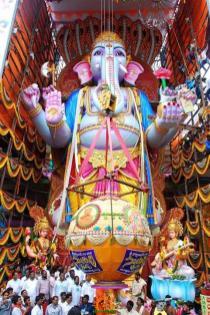 Trishaktimaya Moksha Ganapathi Khairatabad Ganesha 2015 2