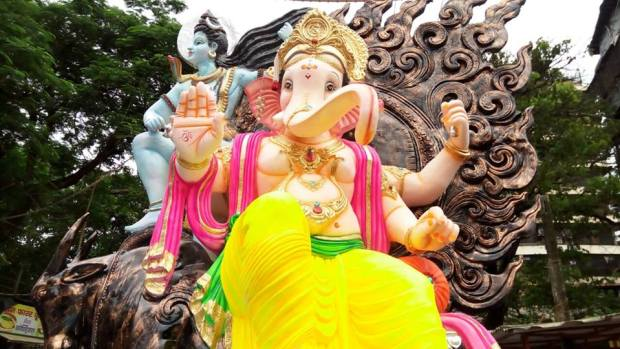Ganesh Marg Sarvajanik Ganesh Utsav Mandal Vikhroli East 2016 no-watermark