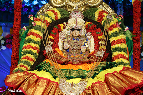 Virtual Varalakshmi Vratham At Tiruchanuru Temple