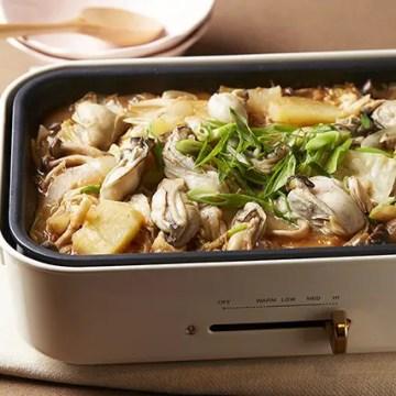 ホットプレートで牡蠣の味噌鍋風ちゃんちゃん焼き