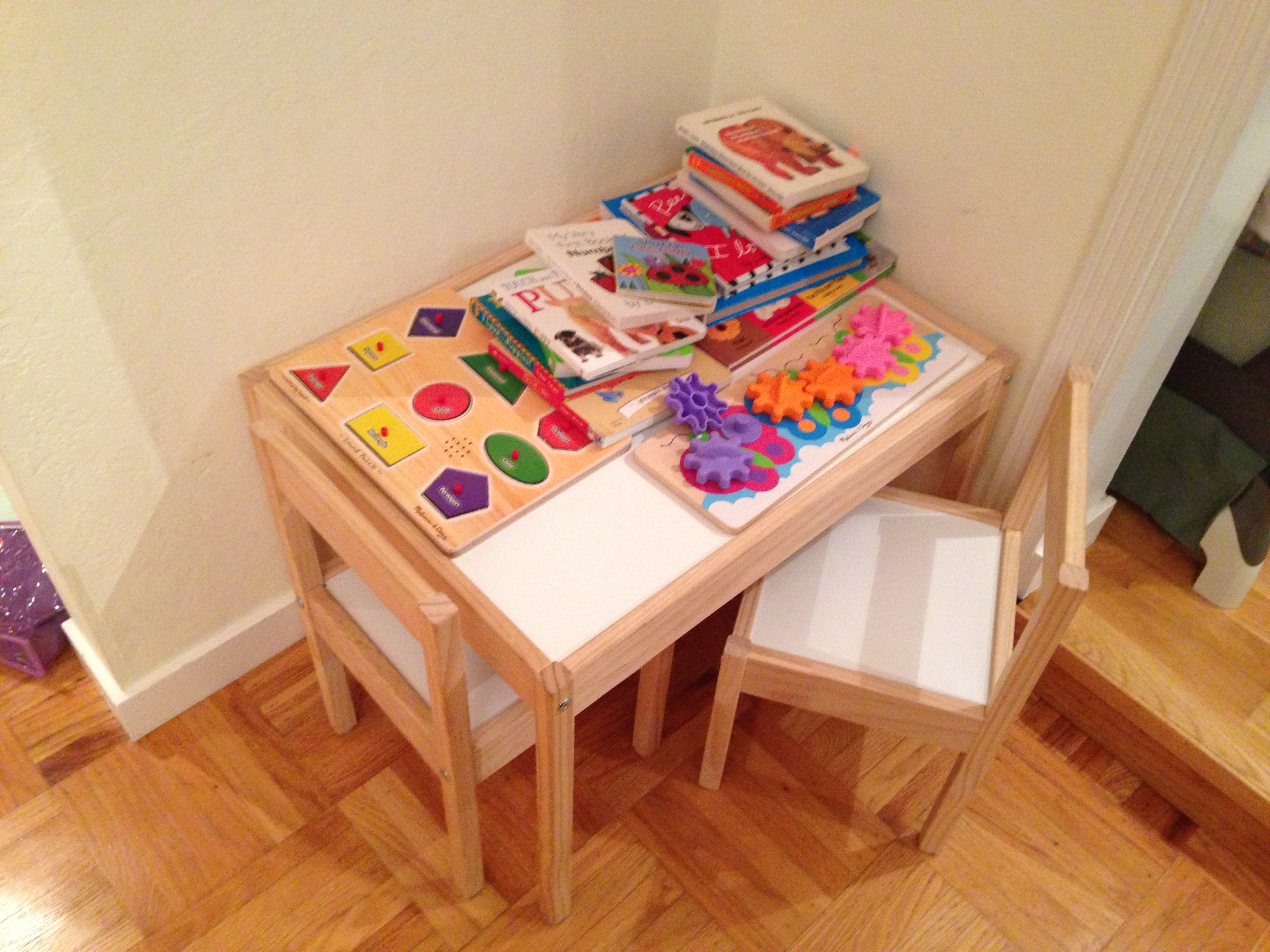 Today S Hint The Best Little Table For Toddlers Hint Mama