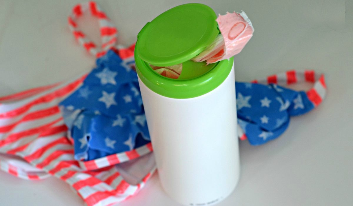 ways to repurpose trash – plastic sacks in a baby wipes container