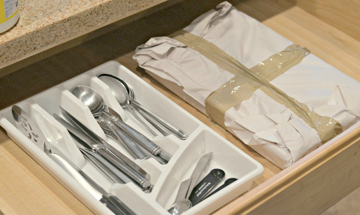 silverware packaged in trays