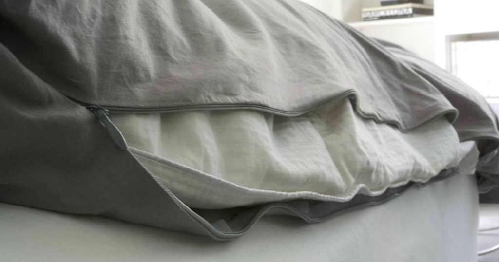 zipping up grey duvet cover insert