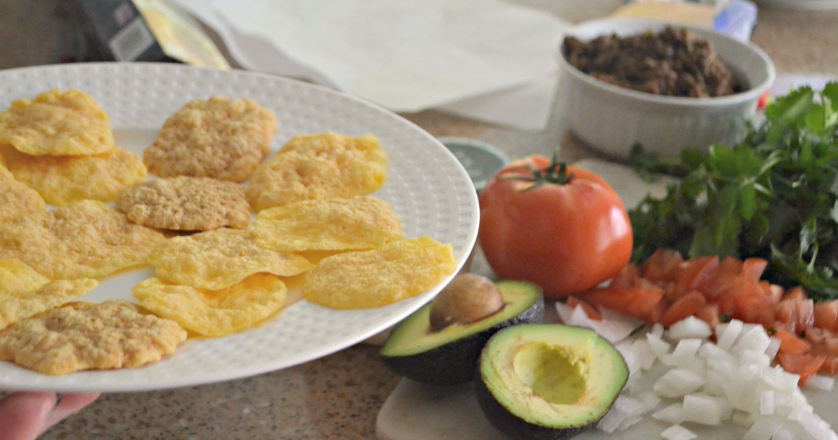 Easy One Minute Crispy Microwave Nachos
