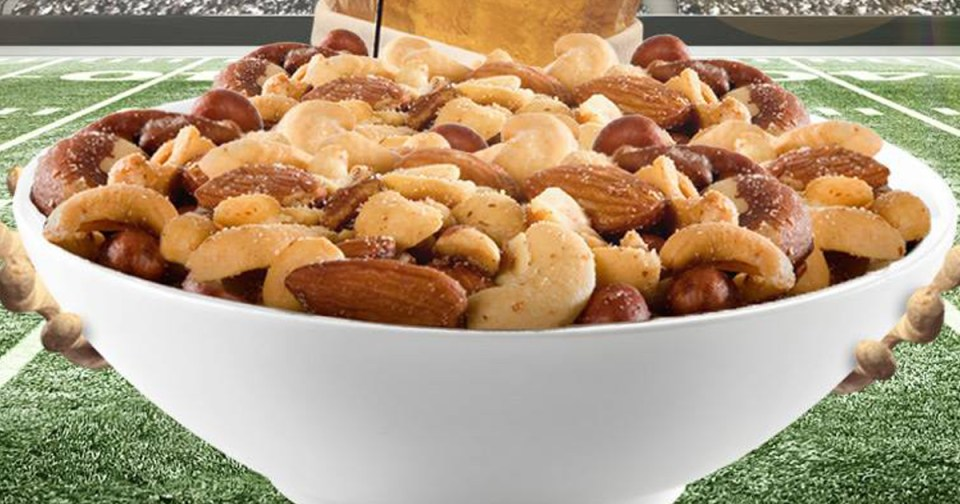 best low carb nuts deal - bowl of mixed nuts